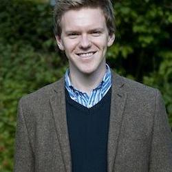 Dr Geoffrey  Maguire